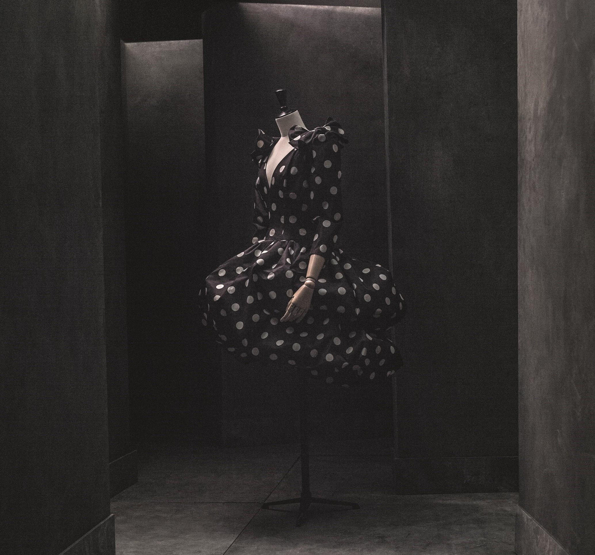 Vestido, 1981. Colección Studio Pertegaz. Foto: Eugenio Recuenco