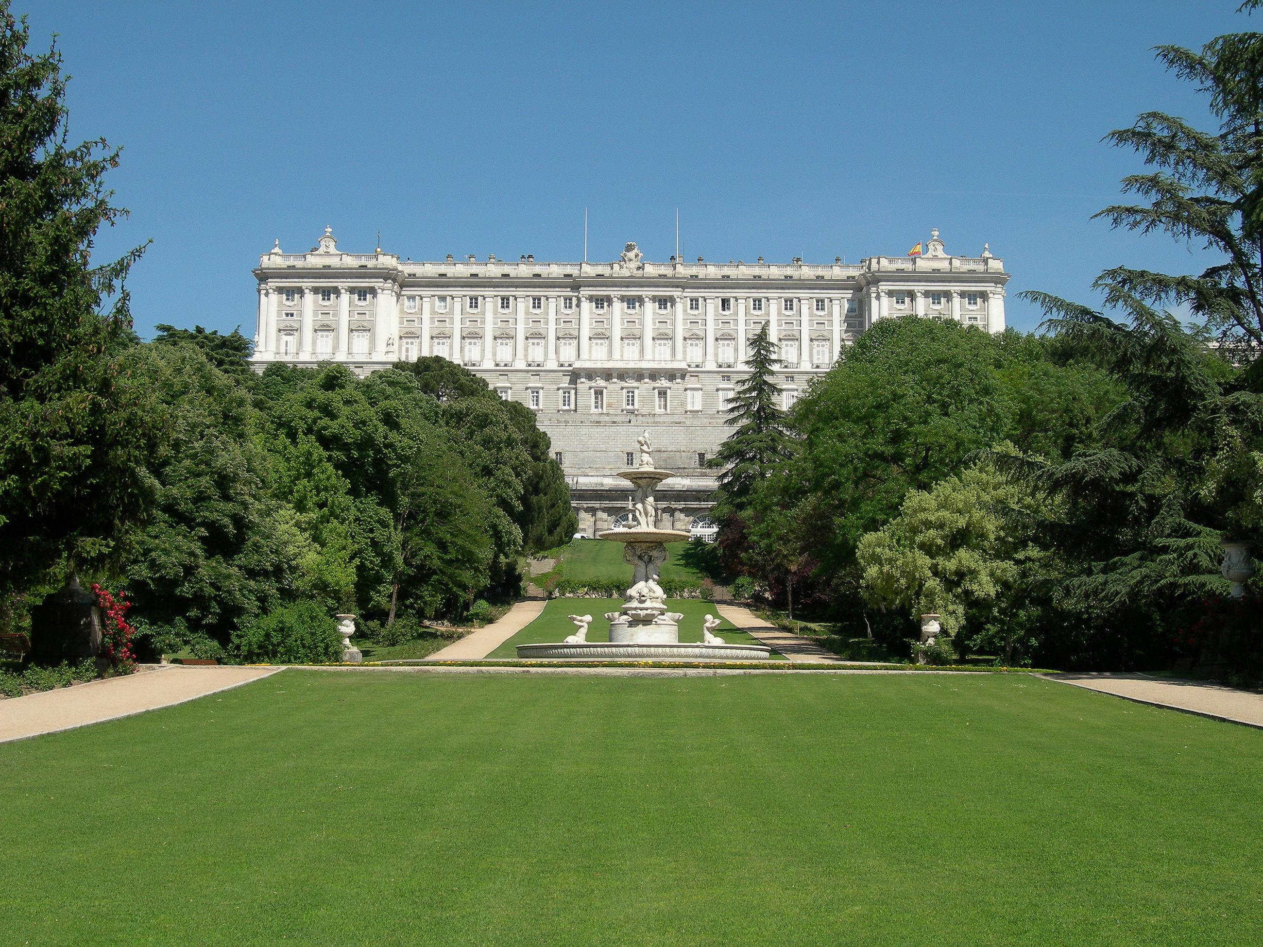 Campo del Moro.Palacio real de Madrid