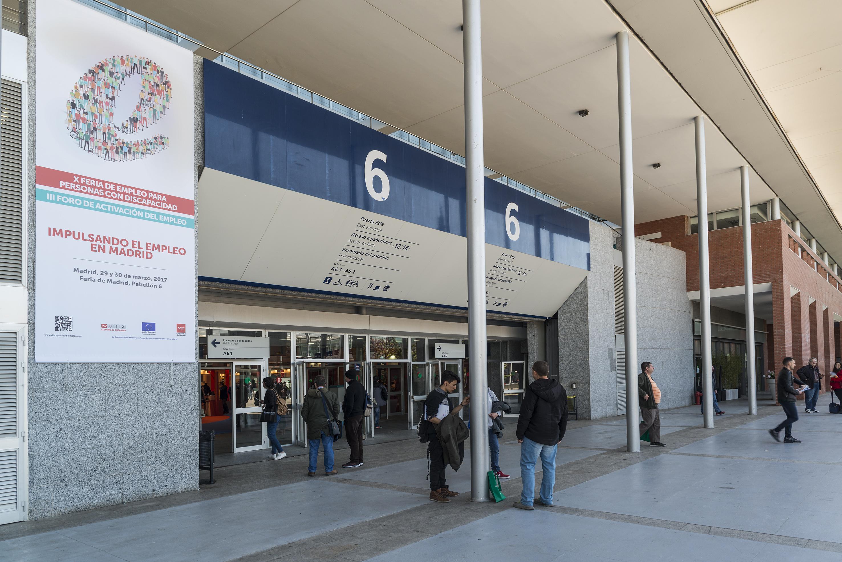 Mostradores de la entrada hall principal de IFEMA Madrid