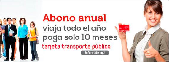 Personas mostrando la Tarjeta Transporte Público