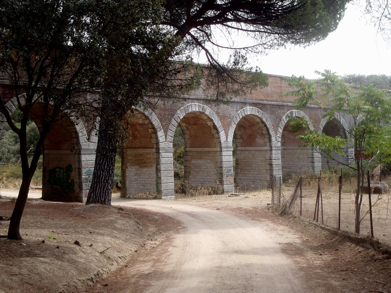 Acueducto en el monte de Valdelatas