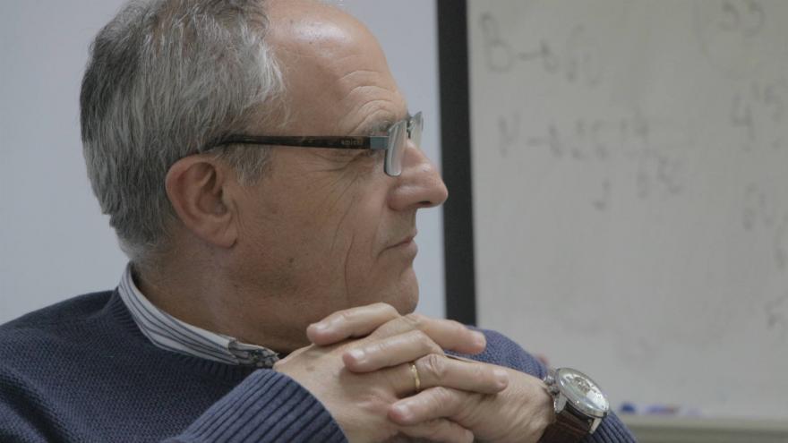 El escritor Juan Antonio Losana en el IX certamen de relatos breves 'Entre puntos y letras'