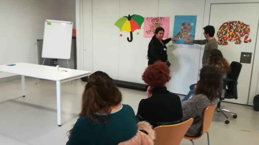 Un momento del taller de Educación Sanitaria para mujeres gitanes