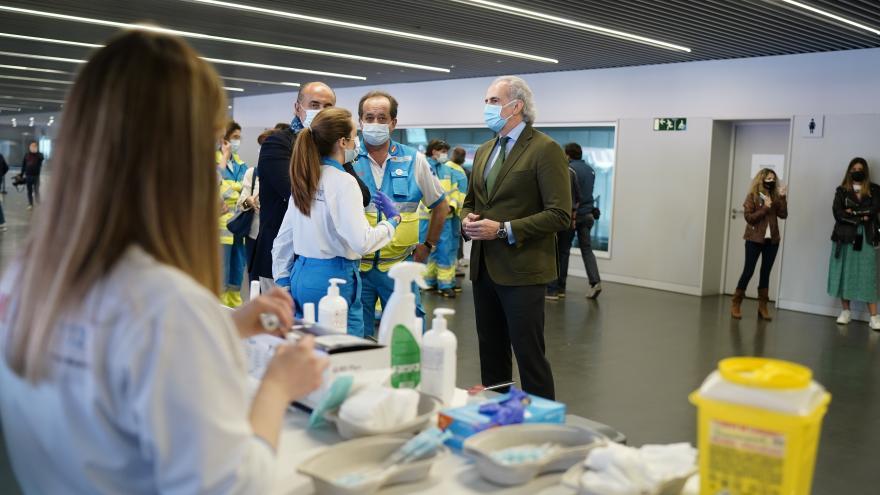 Comenzamos a vacunar la próxima semana frente al COVID-19 a población de 77, 78 y 79 años en los centros de salud.