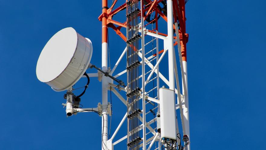 Imagen de una torre de telefonía móvil