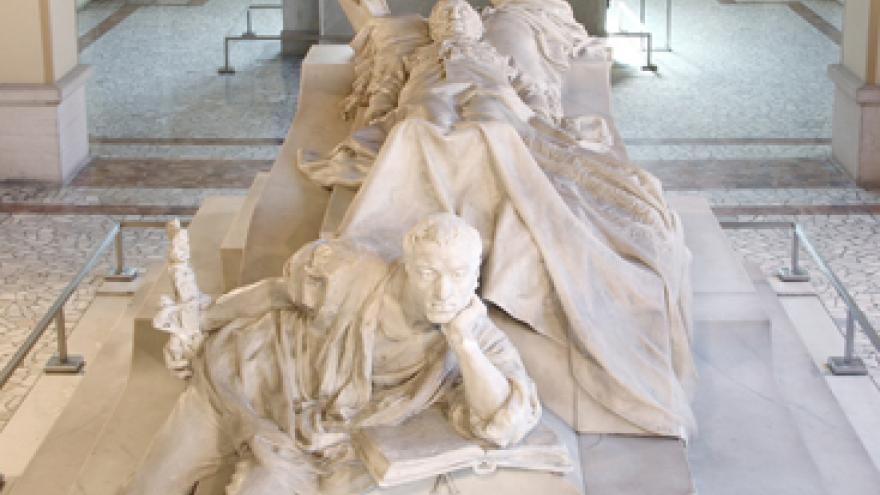 Mausoleo de Práxedes Mateo Sagasta en el Panteón de Hombres Ilustres