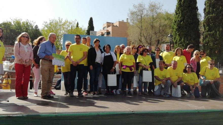 Participantes en una marcha para mayores
