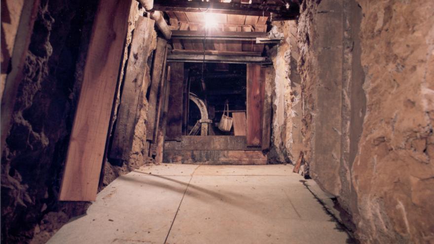 Ejecución caverna estación Guzmán el Bueno