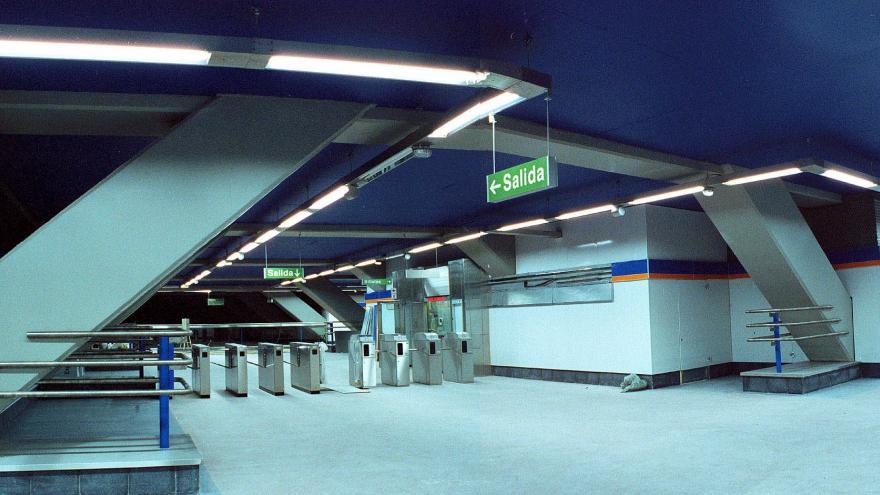 Acceso estación Lacoma