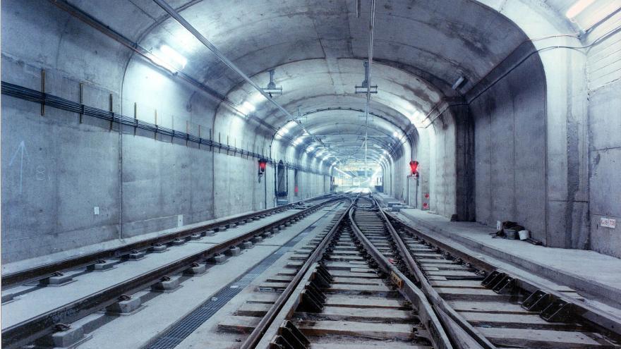 Falso túnel entre Lacoma y Pitis