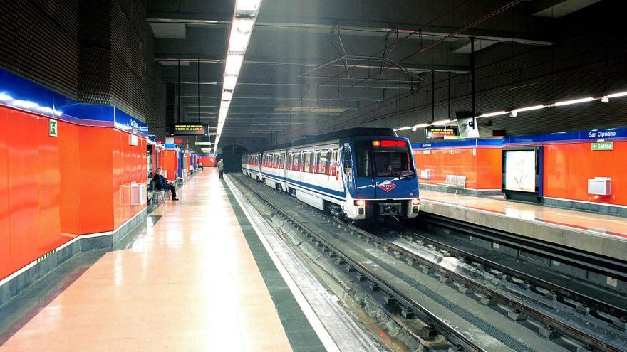 Andenes estación San Cipriano