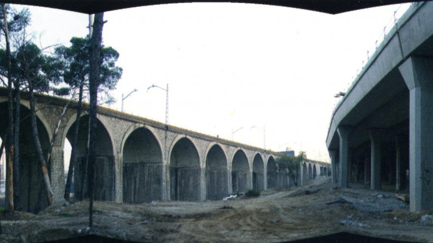 Viaducto de la M-40 (derecha)y Renfe (izquierda)