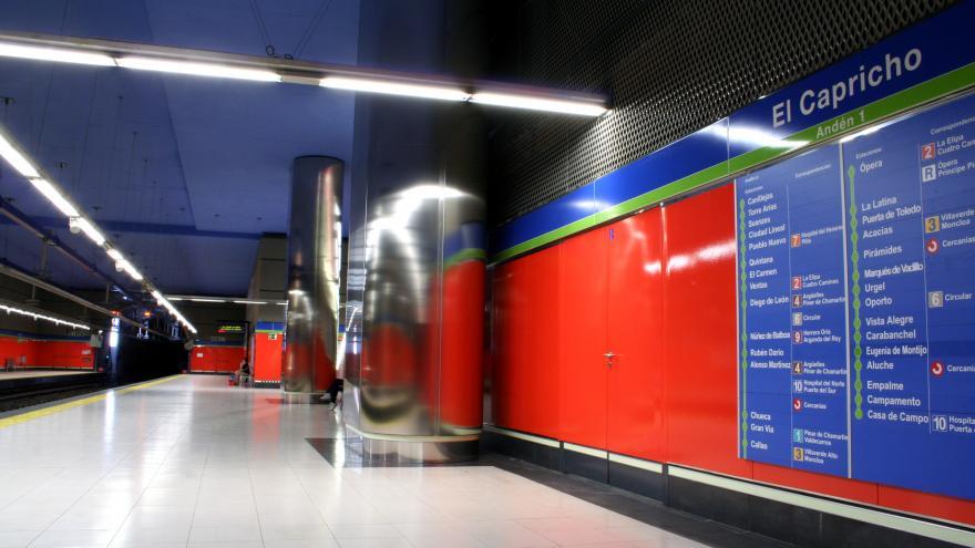 Andén estación El Capricho