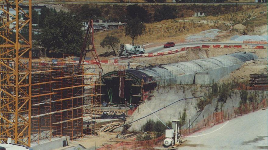 Construcción falso túnel entre Arroyo Fresno y Pitis