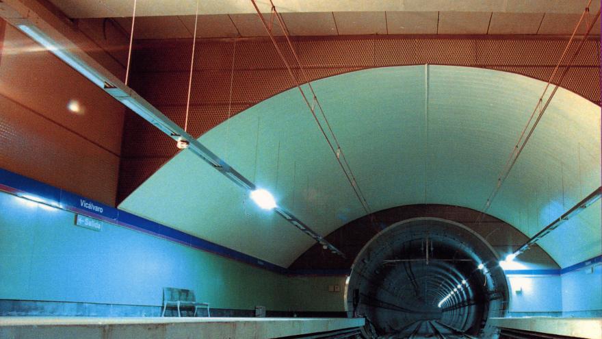 Andenes y túnel estación Vicálvaro