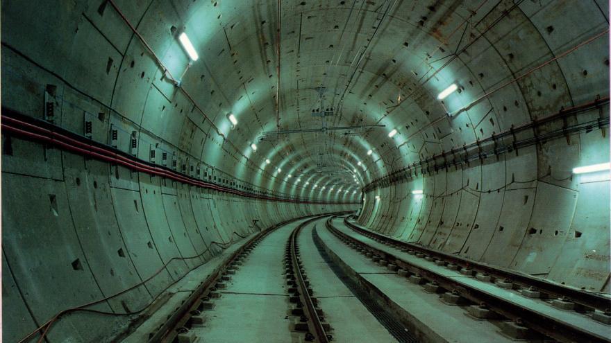 Túnel EPB y vía hormigonada