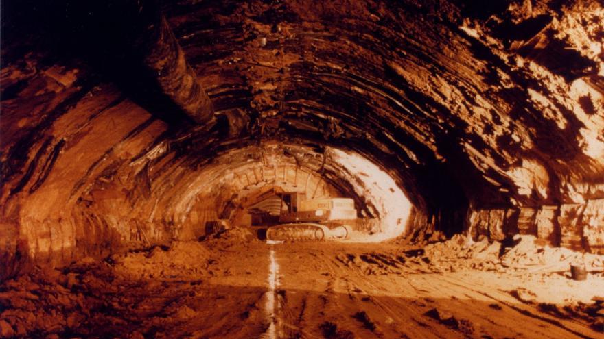 Caverna excavada
