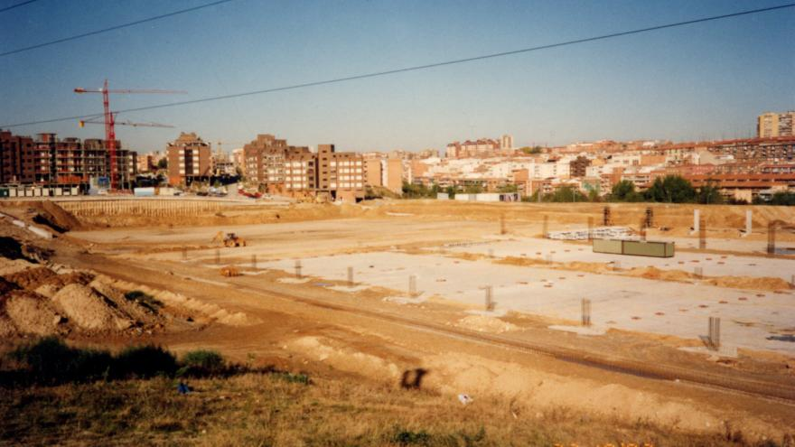 Losa de cimentación y zapatas. Cocheras Laguna. 22/11/1993