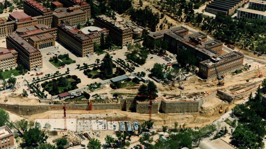 Vista aérea obras de las cocheras y parking de Ciudad Universitaria