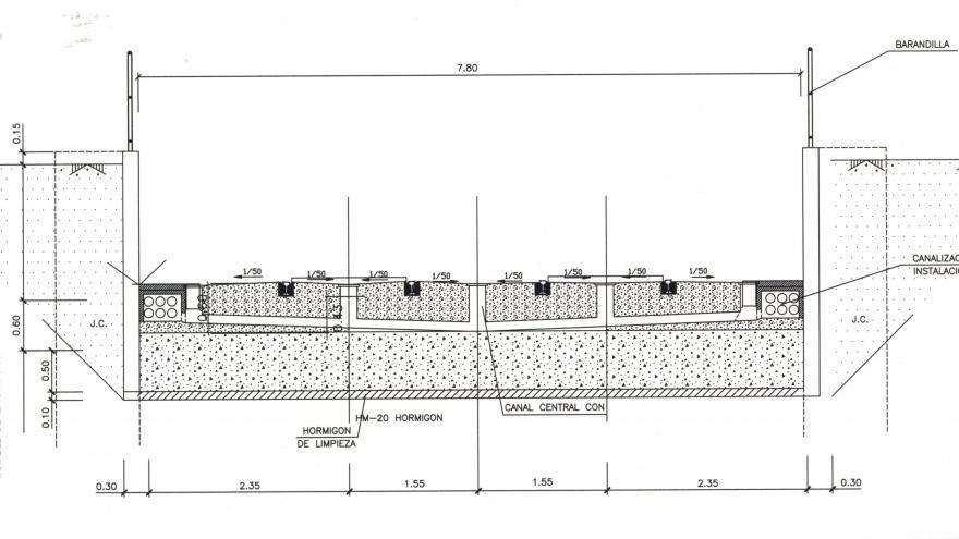 Sección tipo en superficie (entre muros de pilotes)
