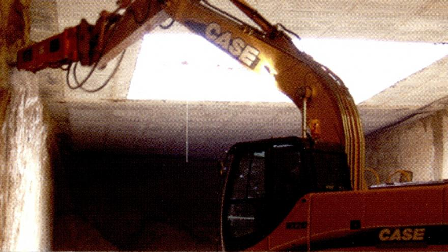 Excavación bajo la losa de cubierta