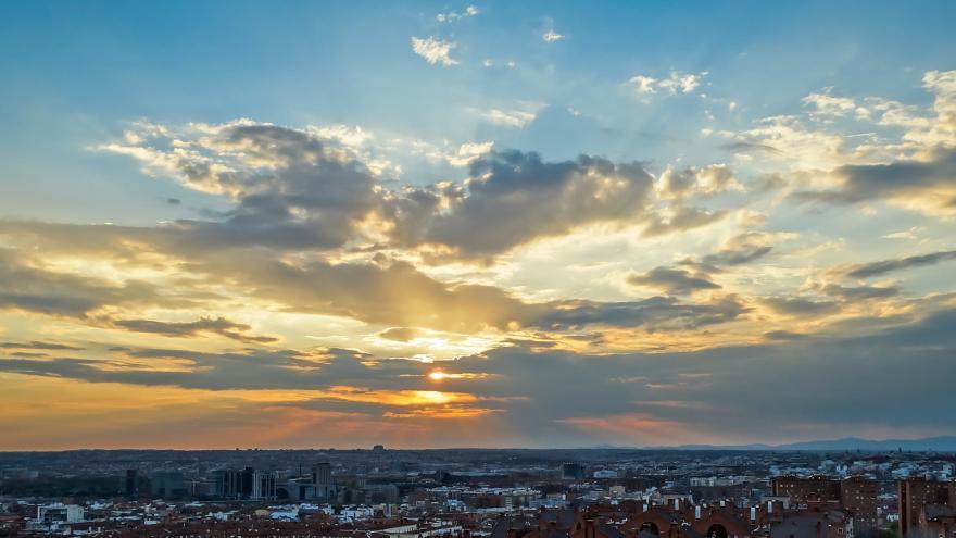 Panorámica amanecer en Madrid