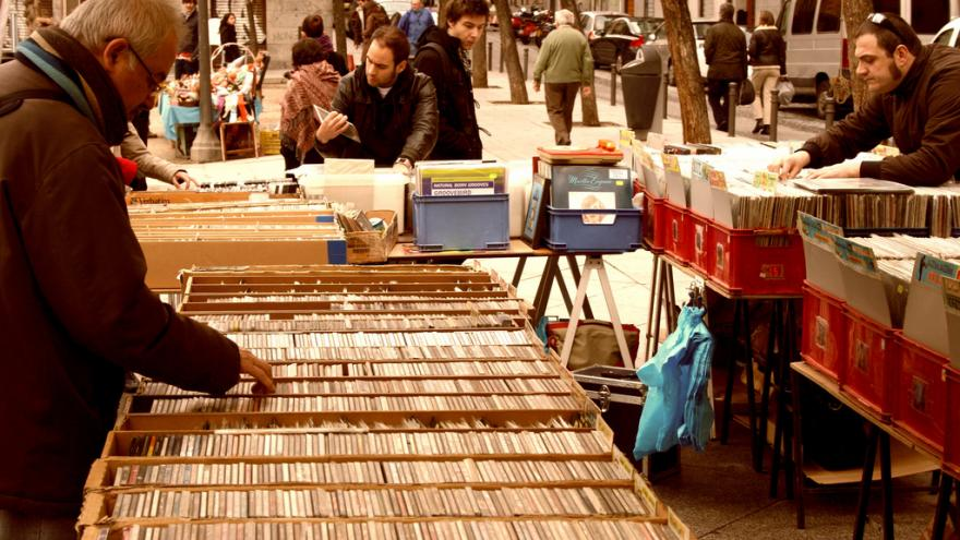 Mercadillo de la Plaza del 2 de mayo.Madrid