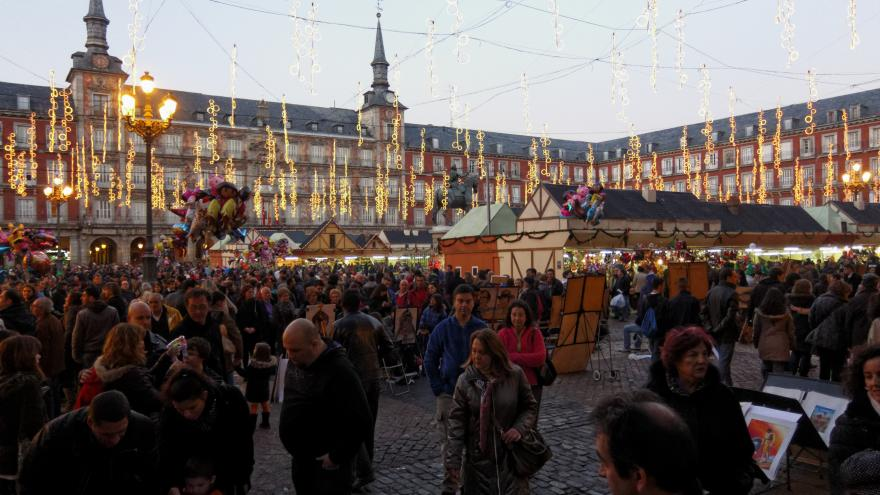 Mercadillo navideño de la Plaza Mayor.Madrid