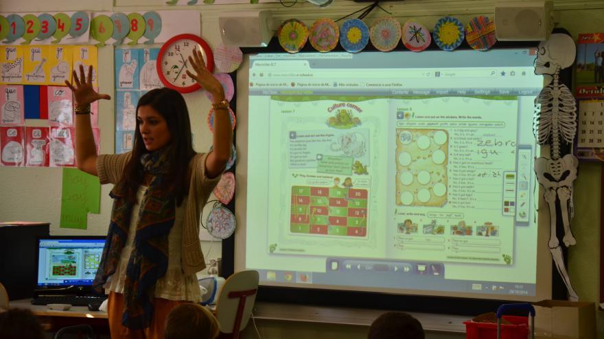 Clase en inglés en un Colegio de Educación Infantil y Primaria