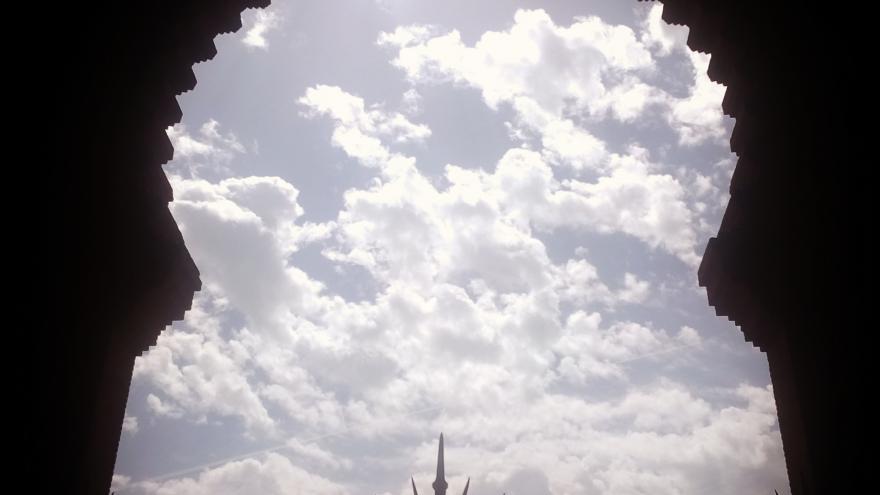 La Puerta Grande de Las Ventas y el cielo de Madrid...