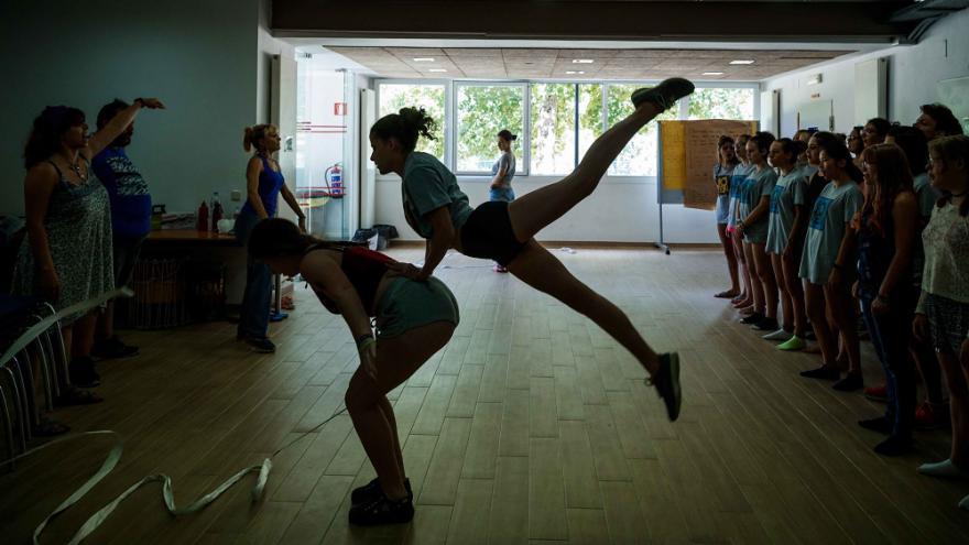 Chicas danzando