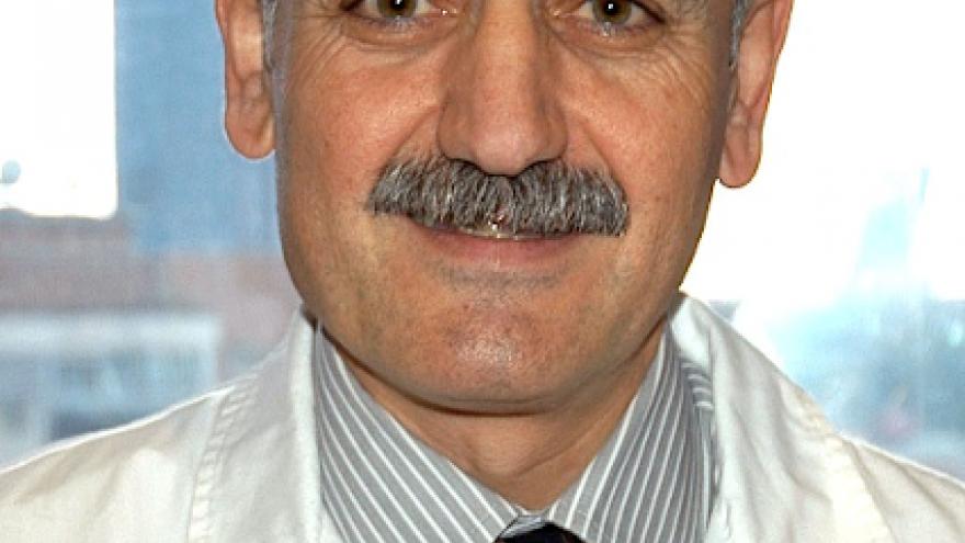 Imagen del Dr Burgos, Jefe de Servicio de Urología del Hospital Universitario Ramón y Cajal