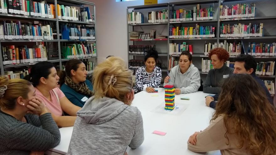 Mujeres gitanas asistentes al taller de Educación Sanitaria en el Centro de Salud Orcasitas