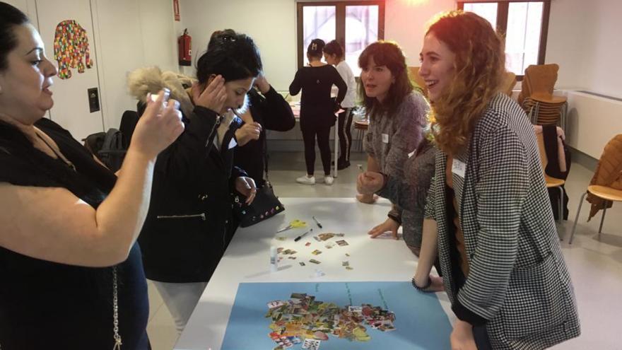 Mujeres gitanas en el taller de Educación para Salud en el Centro de Salud Orcasitas