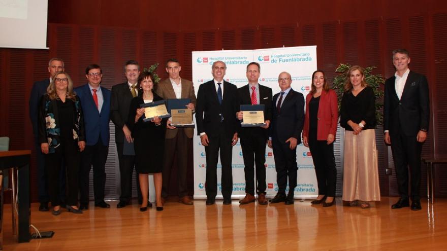 El consejero de Sanidad junto a diferentes premiados BiC