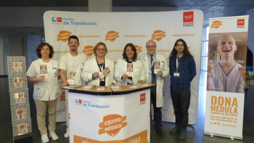 Punto informativo sobre el registro de donantes de médula ósea desplegado en el Hospital Universitario Infanta Leonor