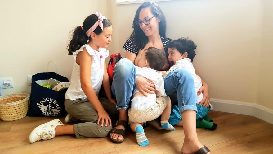 Fotografía de Marta Isabel Peñas García, ganadora en la categoría 'Lactancia materna en tándem'