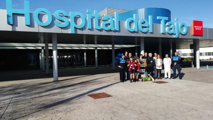 Policías sin Fronteras durante su visita al Hospital Universitario del Tajo