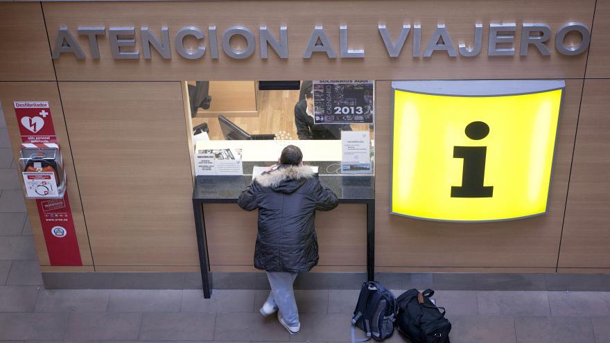 Ventanilla de atención al viajero en el Consorcio de Transportes de Madrid