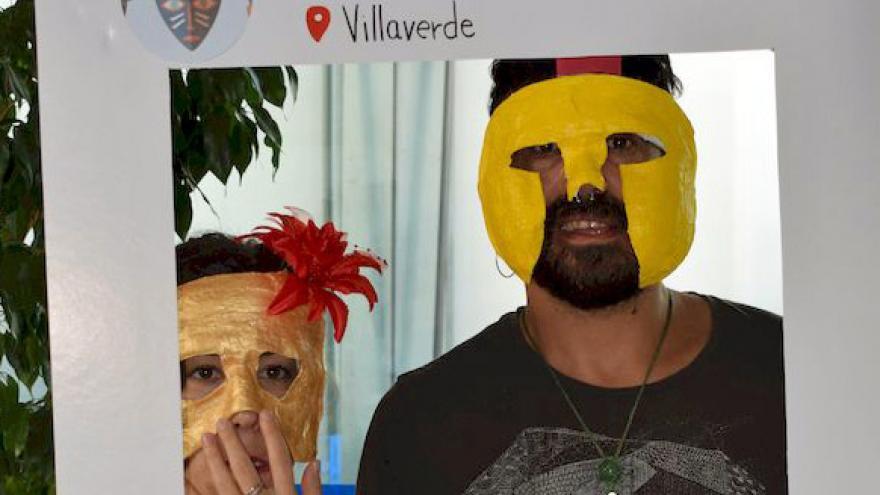Actividad de máscaras en la celebración del Día Mundial de la Salud Mental en Villaverde (2017)