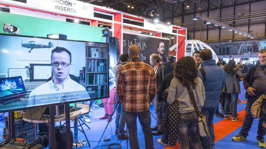 Stand de la Fundación ONCE en la X Feria de Empleo para Personas con Discapacidad y III Foro de Activación de Empleo