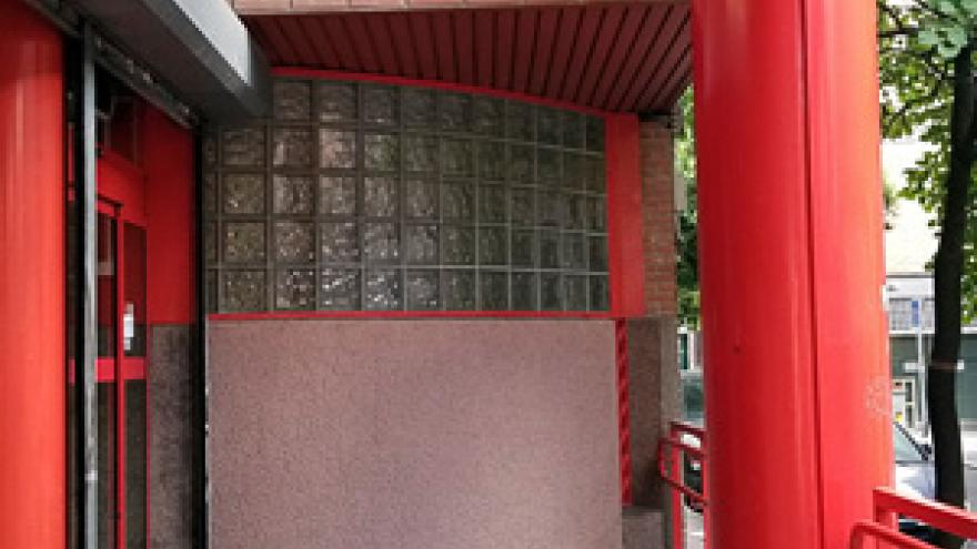 Fachada del Centro Base Nº 2 de la Comunidad de Madrid