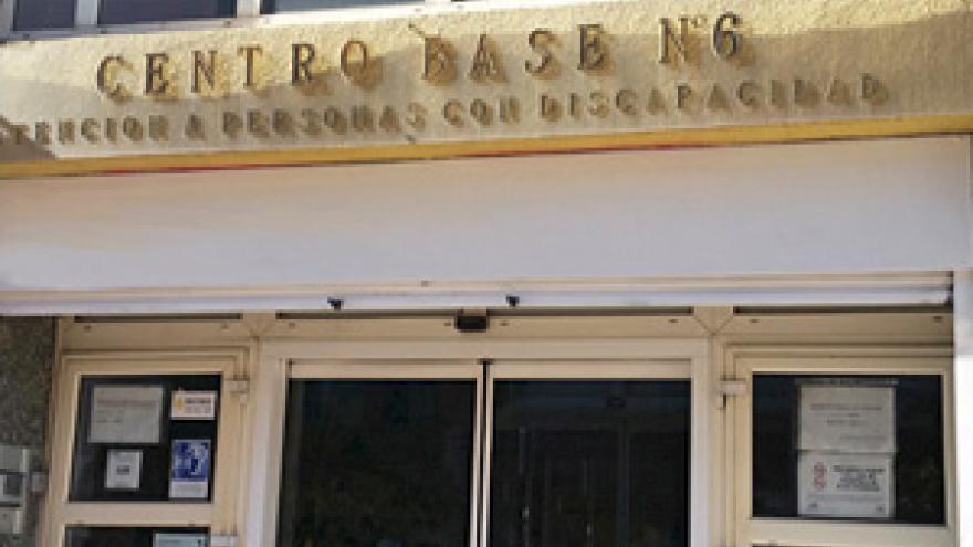 Fachada del Centro Base Nº 6 de la Comunidad de Madrid