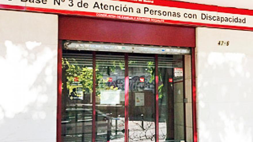Fachada del Centro Base Nº 3 de la Comunidad de Madrid