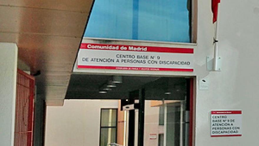 Acceso al Centro Base Nº 9 de la Comunidad de Madrid