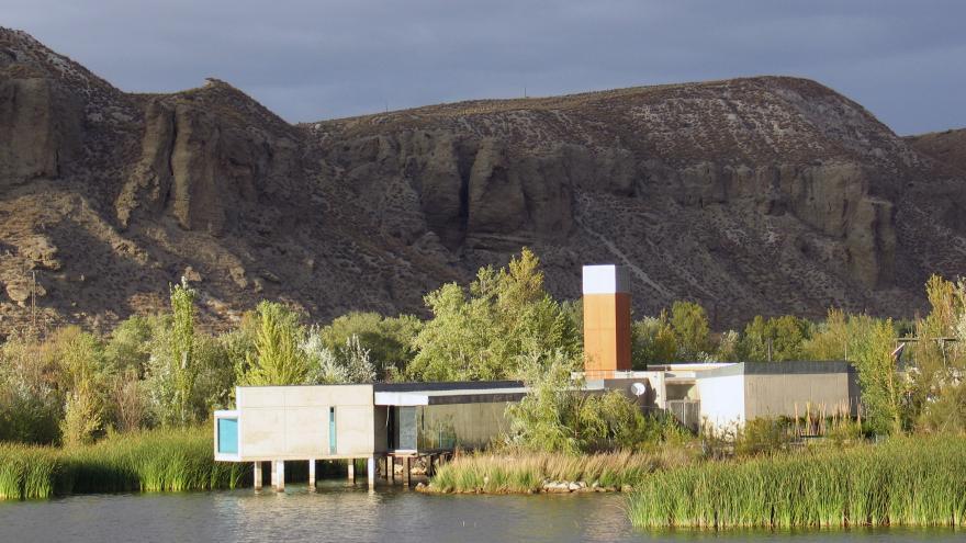 Vista del Centro de educación ambiental ubicado en la laguna de El Campillo