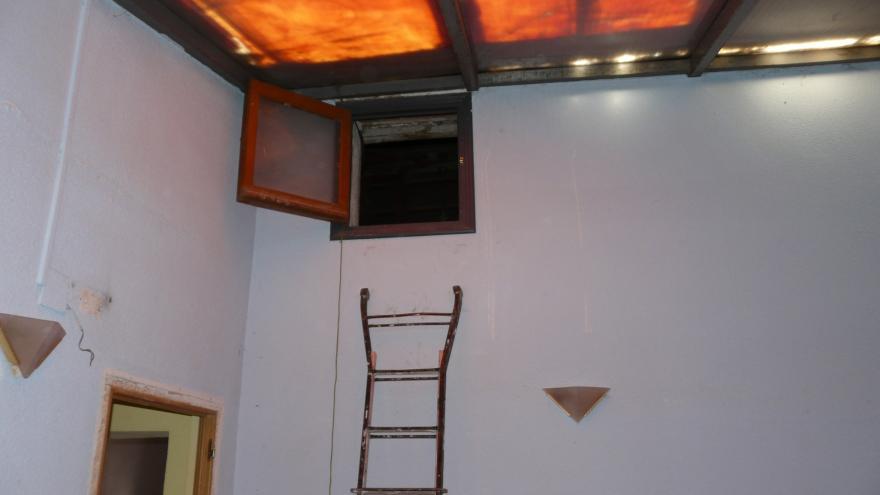 Imagen del interior de la Casa de la Juventud, estado anterior