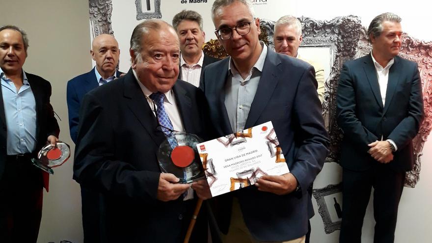 Izquierdo entrega los premios anuales Viña de Madrid a los mejores vinos madrileños