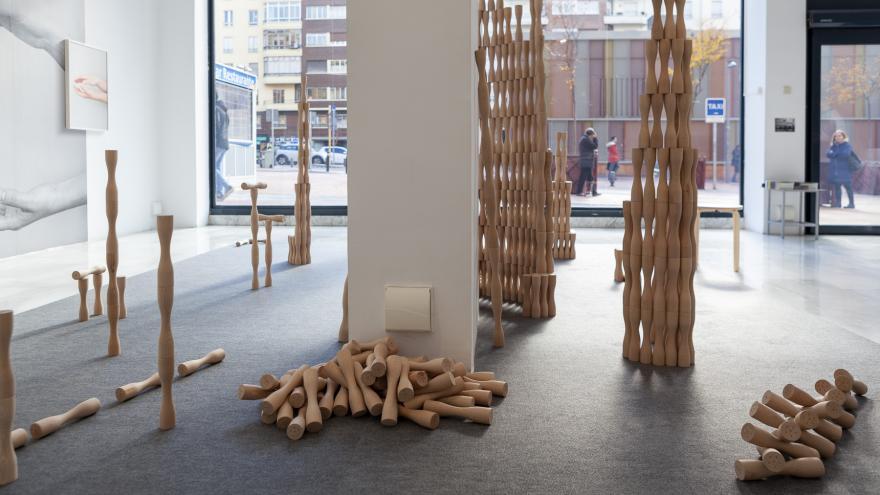 Obra fabricada en madera dentro del Circuito de Artes Plásticas