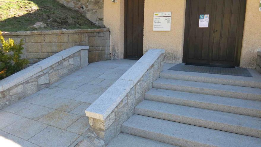 Rampa acceso Centro Visitantes Peñalara